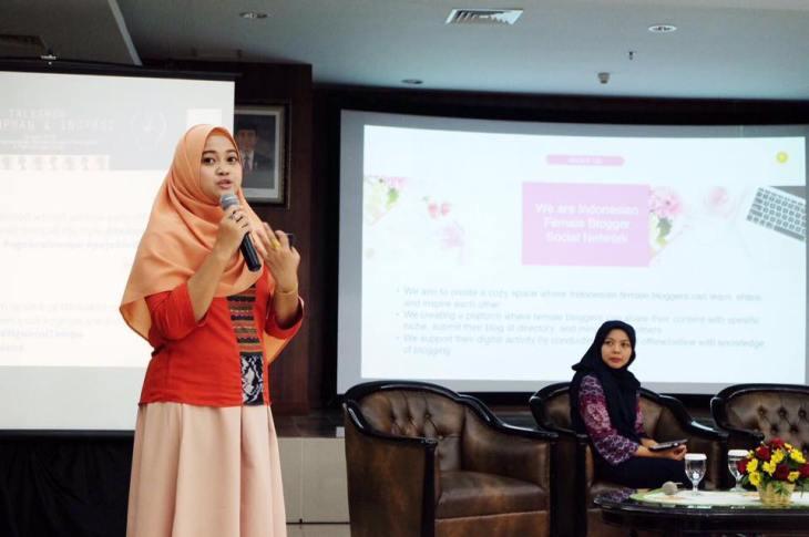 Presentasi dalam acara Perempuan & Inovasi yang dihadiri oleh MenSos dan Menteri PPPA